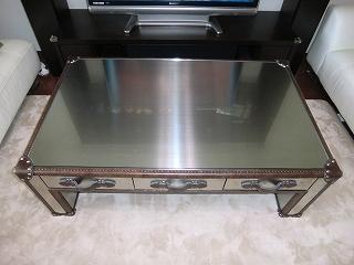 テーブルのガラス天板設置例